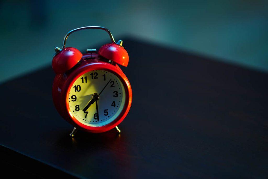 czerwony zegar